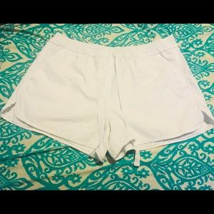 Loft Ann Taylor White 100% Cotton Shorts Size S